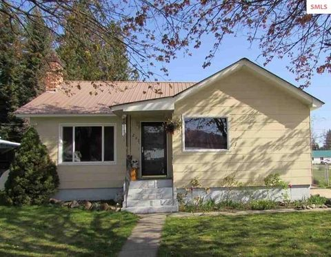 Photo of 293 E Jackson Ave, Priest River, ID 83856