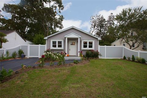 Photo of 31 Lombardy Dr, Shirley, NY 11967