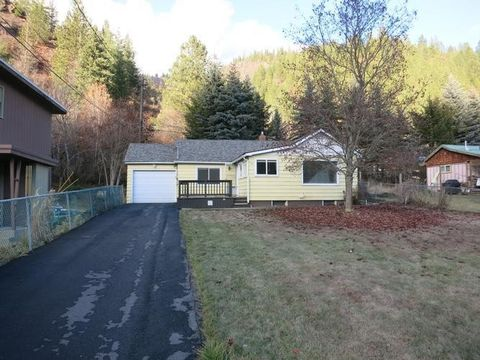 25 Elk Creek Rd, Kellogg, ID 83837