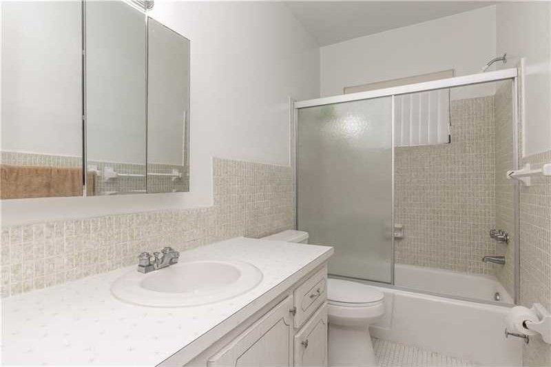 721 Atlantic Shores Blvd Apt 104 Hallandale Beach Fl