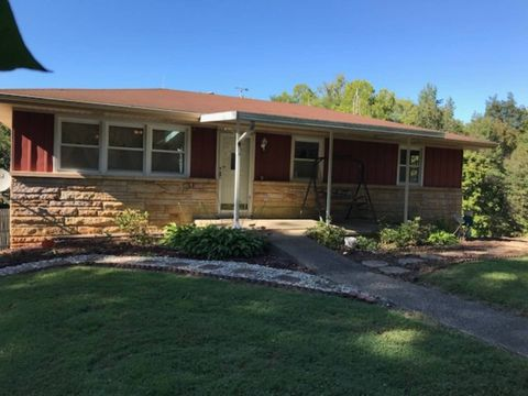 5946 Scout Rd, Cannelton, IN 47520