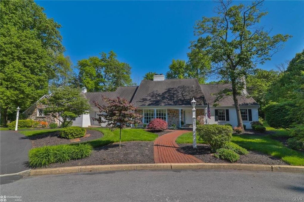 2941 Woods Hollow Ln, Upper Milford Township, PA 18103