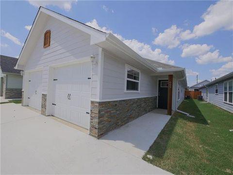 Photo of 609 E Carter St, Sherman, TX 75090