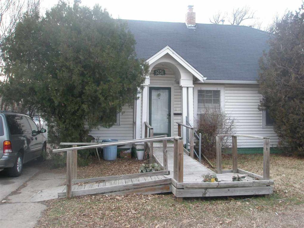1251 N Grove Ave, Wichita, KS 67214