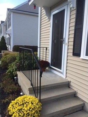 16 Boxberry Ln, Rockland, MA 02370