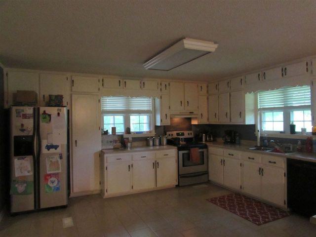 Kitchen Cabinets Jackson Tn 4037 highway 70 e, jackson, tn 38305 - realtor®