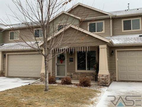 2908 E Hearthstone Pl, Sioux Falls, SD 57108