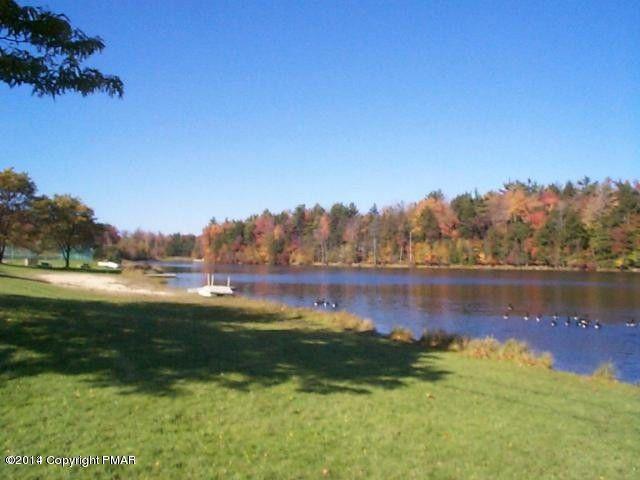 52 King Arthur Rd Pocono Lake, PA 18610