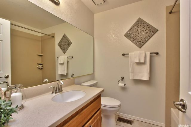 Elegant Everything Had A &quotnew&quot Feel To It, Although I Thought The Decor, With The Exception Of The Modern Bathroom Fixtures, Was Slightly  HotelCISMgmt, Director Of Sales At Country Inn &amp Suites By Carlson, Roseville, Responded To This Review,