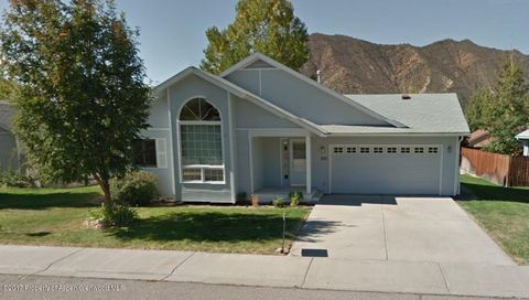 Photo of 357 Dragonroot Dr, New Castle, CO 81647