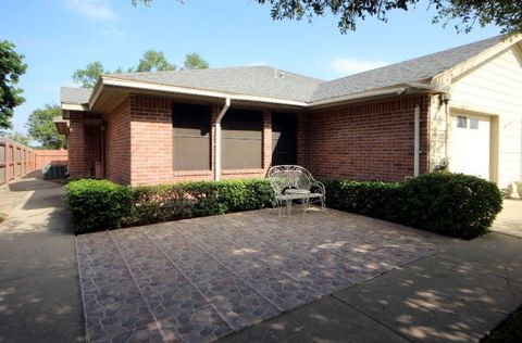 2 bedroom homes for sale in camelot retirement community for 7 bedroom homes for sale in texas