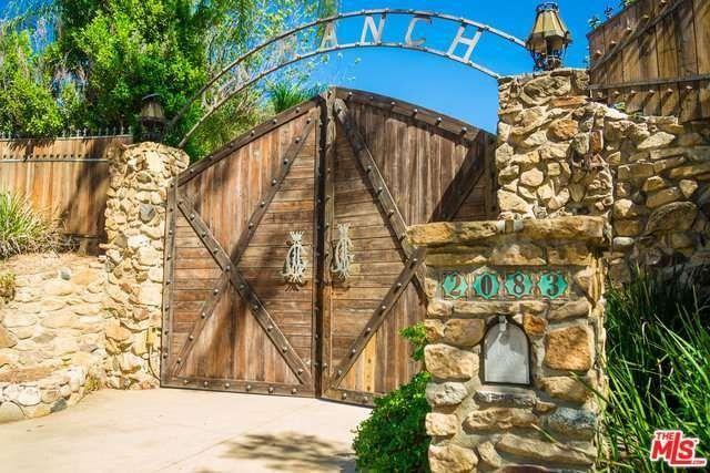 2083 N Topanga Canyon Blvd, Topanga, CA 90290