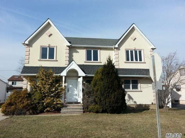 702 Patterson Ave, Franklin Square, NY 11010