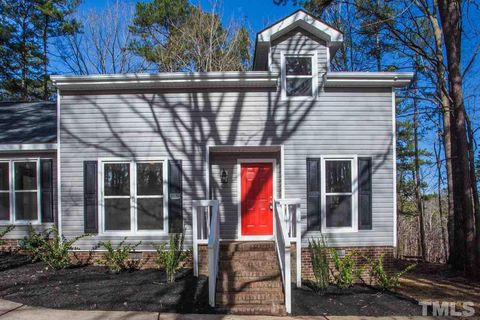 Photo of 3406 Whitford Ct, Raleigh, NC 27606