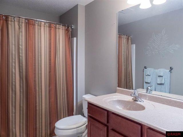 Lovely 725 Grayhawk Cir, Mankato, MN 56001   Bathroom