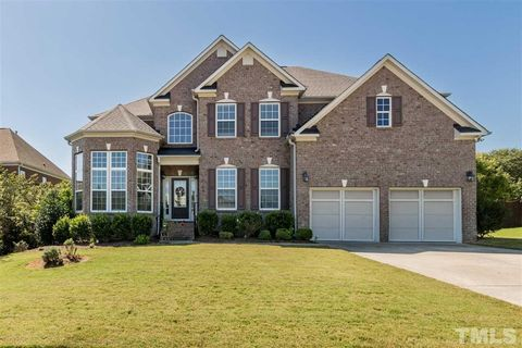 Photo of 203 Creststone Dr, Cary, NC 27519