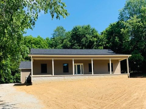 Photo of 707 Circle Dr, Grayson, KY 41143
