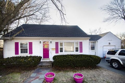 Photo of 584 Middle St, Braintree, MA 02184