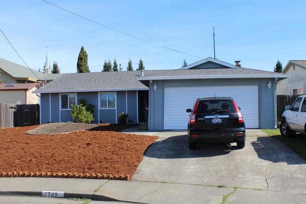 1749 Pine Ave, Petaluma, CA 94954