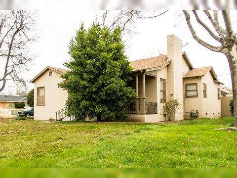 1392 N Fruit Ave, Fresno, CA 93728