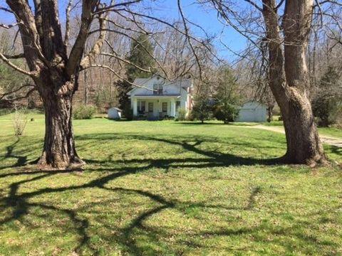 76 Lyons Ln, Frenchburg, KY 40322