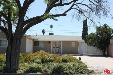 20622 Archwood St, Winnetka, CA 91306