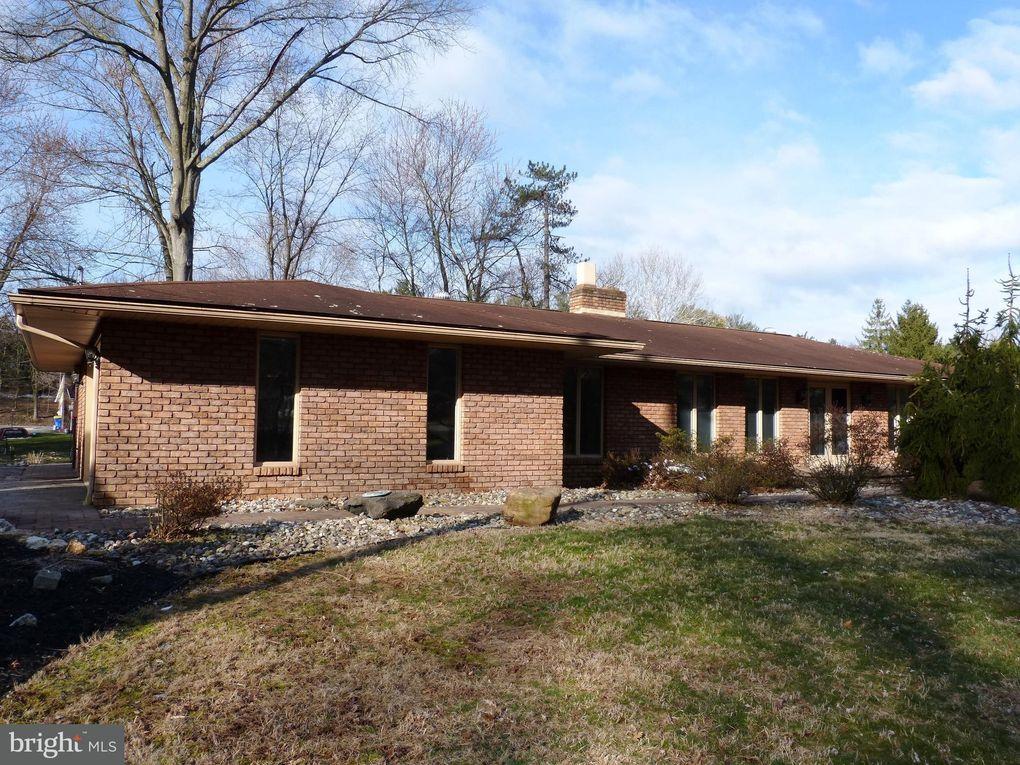 1700 Valley Rd, York, PA 17403