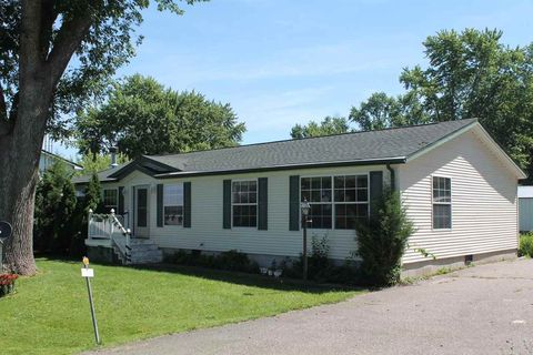 Photo of 125 Sherman Ave, Marquette, WI 53947