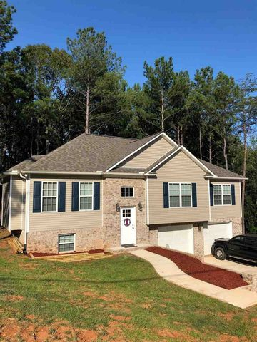 Photo of 262 Country Rd, Warrior, AL 35180