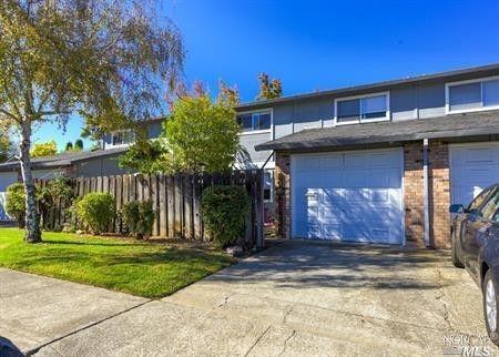 1735 Montana Vista St, Lakeport, CA 95453