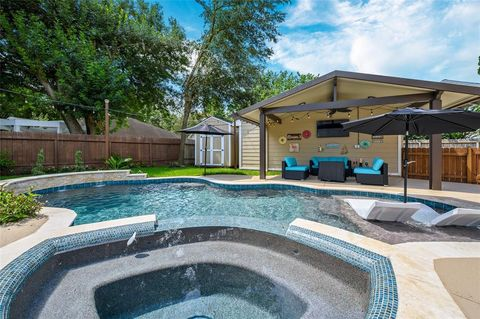 Webster, TX Houses for Sale with Swimming Pool - realtor com®