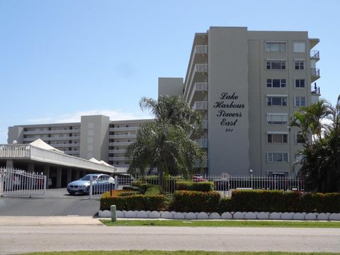 801 Lake Shore Dr Apt 311, Lake Park, FL 33403