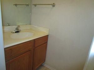 6424 Henco Dr, Fort Worth, TX 76119   Bathroom