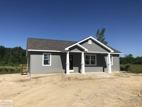 Photo of 8357 Duce Rd, Avoca, MI 48006