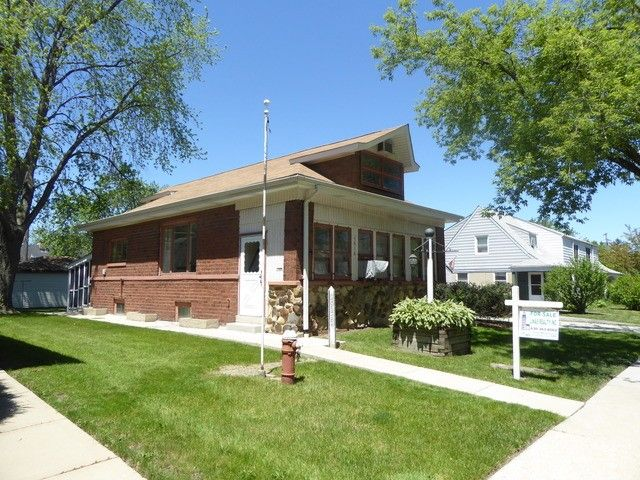 3918 Maple Ave, Brookfield, IL 60513