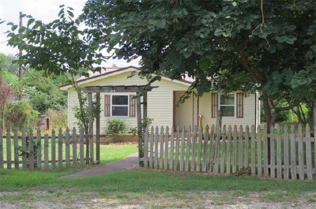404 Polk St, Huntsville, AR 72740
