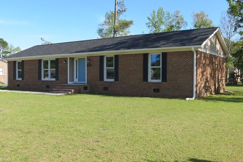 Photo of 117 Craven Dr, Havelock, NC 28532