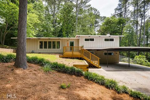 Atlanta, GA Real Estate - Atlanta Homes for Sale - realtor.com® on motor homes painted green, mobile homes painted blue, mobile homes painted black, mobile homes white, mobile homes painted red,