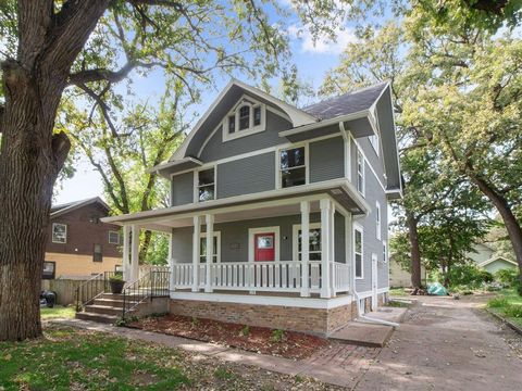Photo of 1016 24th St, Des Moines, IA 50311