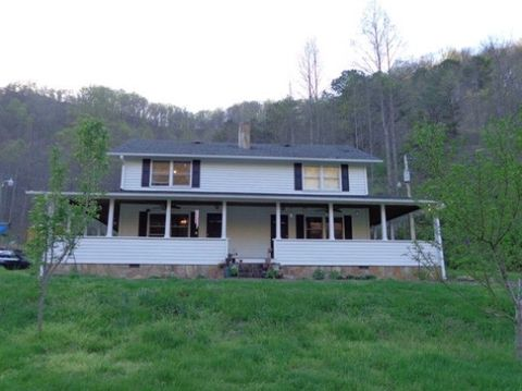1832 Ky Route 850, David, KY 41616