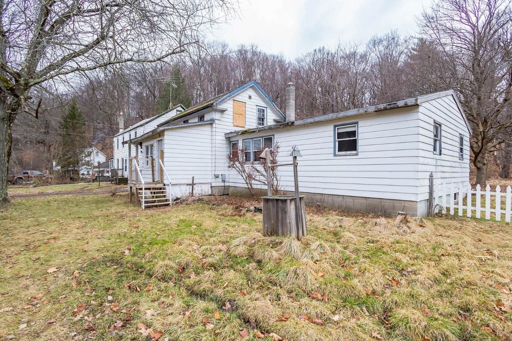 237 Route 16, Hollowville, NY 12530
