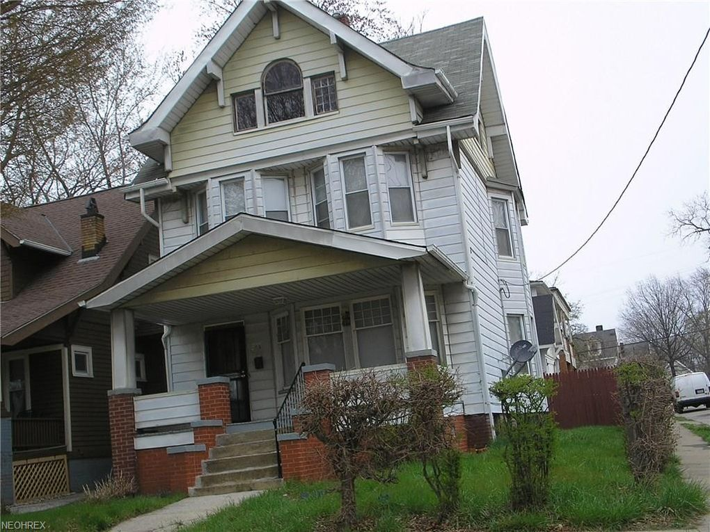 745 E 93rd St, Cleveland, OH 44108