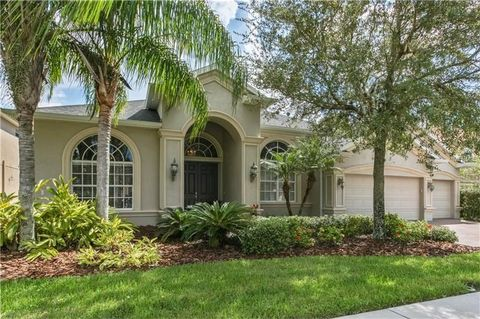 Wesley Chapel Fl Houses For Sale With Swimming Pool