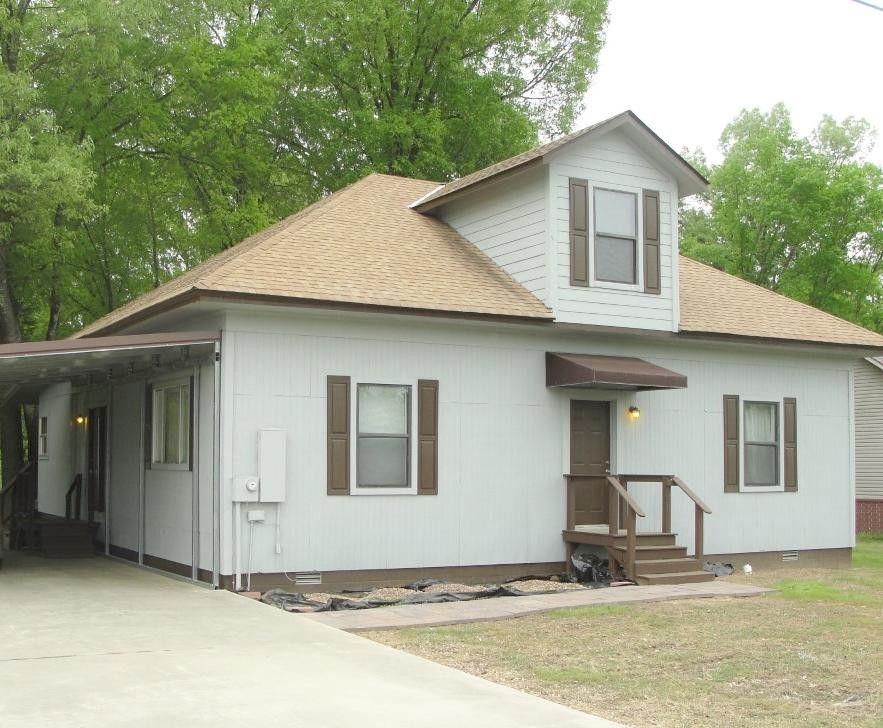 1305 S Crawford St Clarksville, AR 72830