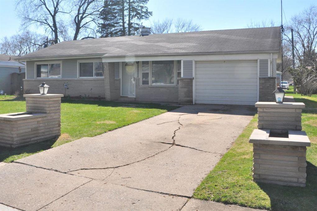6682 Monroe Ct, Merrillville, IN 46410