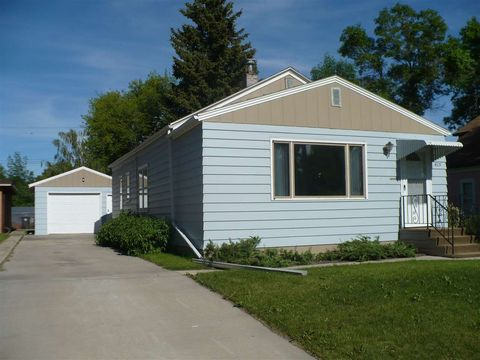415 Sw 1st St, Stanley, ND 58784