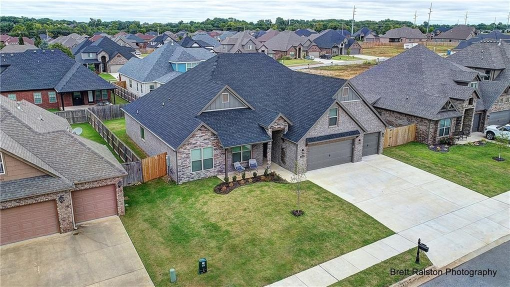 4304 Sw Wheatgrass Blvd, Bentonville, AR 72713