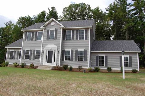 54 Brookview Dr, Hooksett, NH 03106