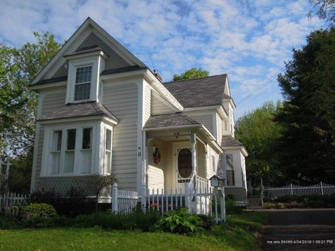 Photo of 11 Collins St, Caribou, ME 04736