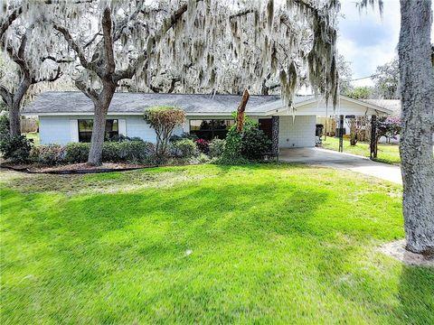 Photo of 32114 Elizabeth Ave, Tavares, FL 32778